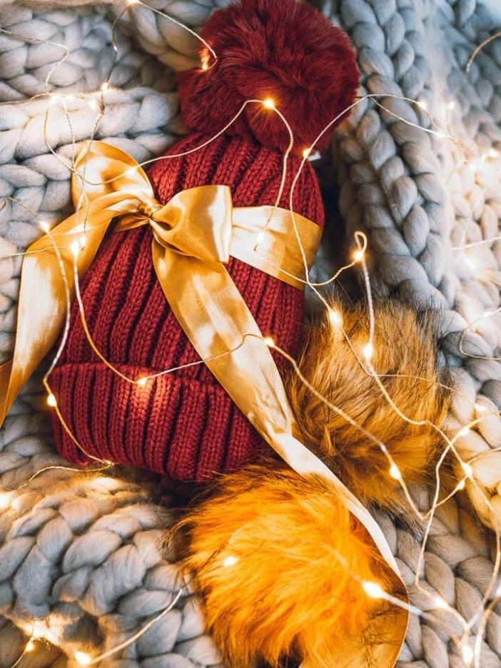 Červená pletená čiapka - darčeková sada