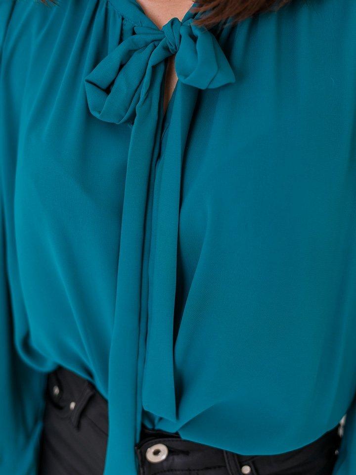 Modrá blúzka s mašľou