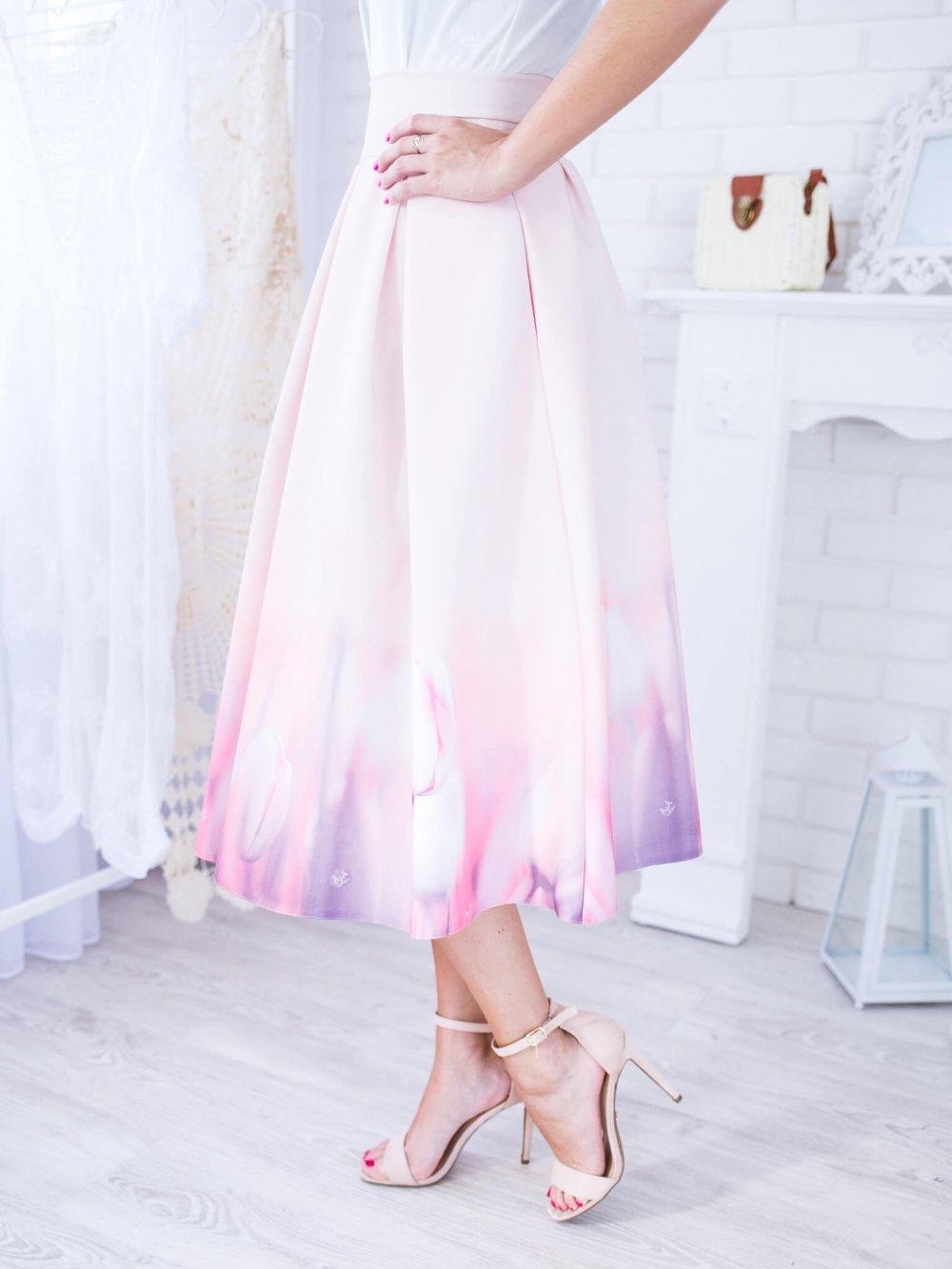 Béžová midi elegantná sukňa s tulipánmi