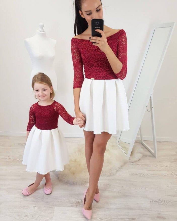 Bordové dámske čipkované šaty s bielou sukňou