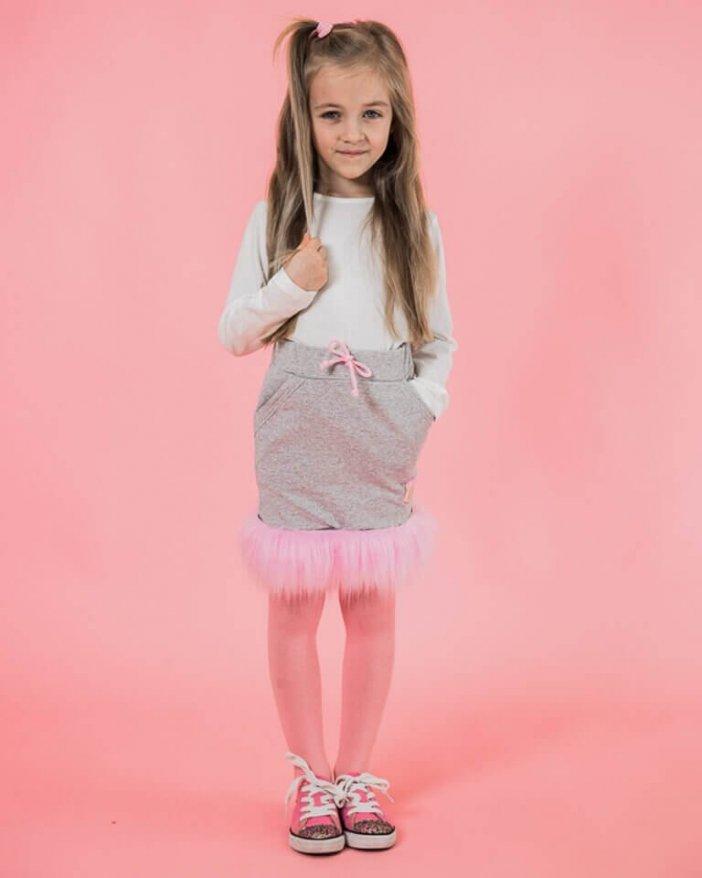 Sivá detská sukňa s ružovou kožušinou