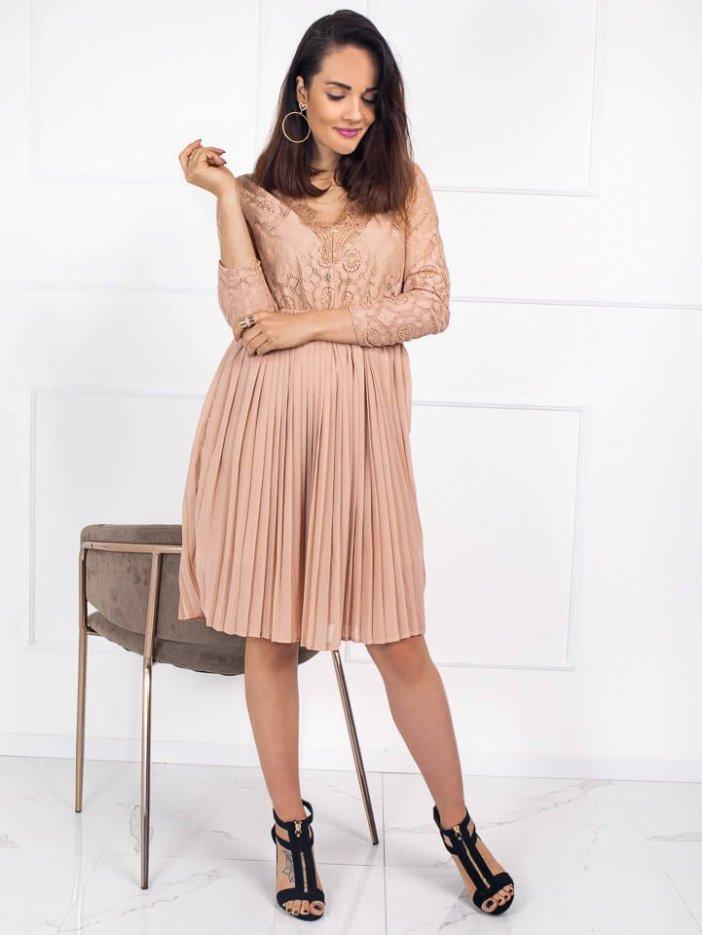Béžové čipkované šaty