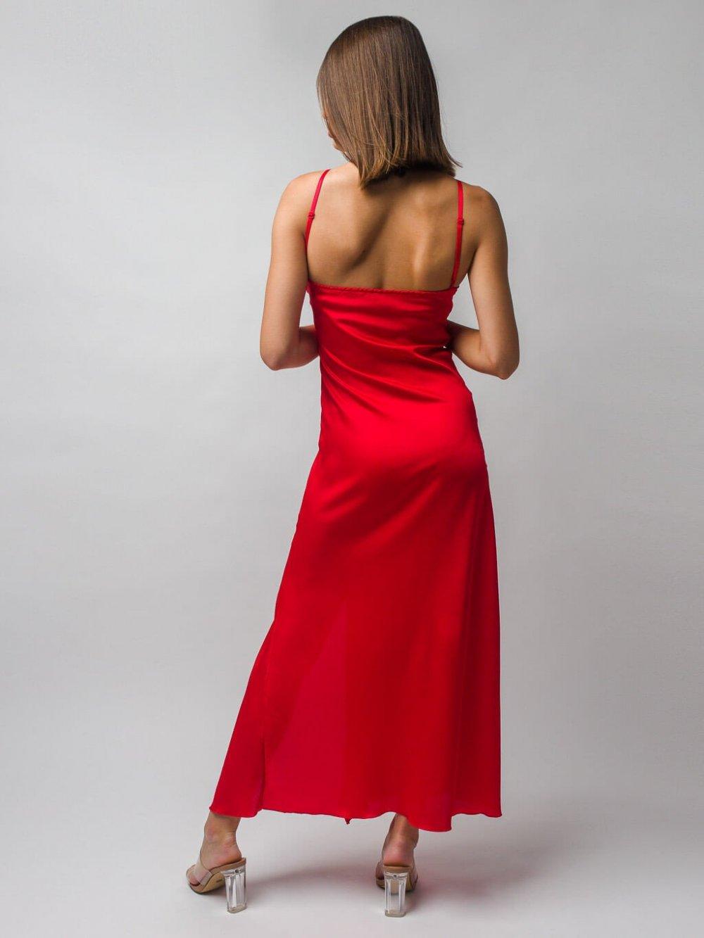 Červené šaty Mellie