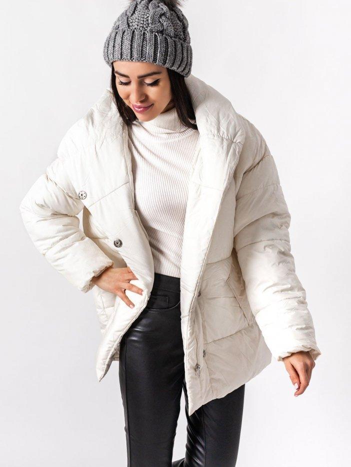 Biela bunda s kapucňou