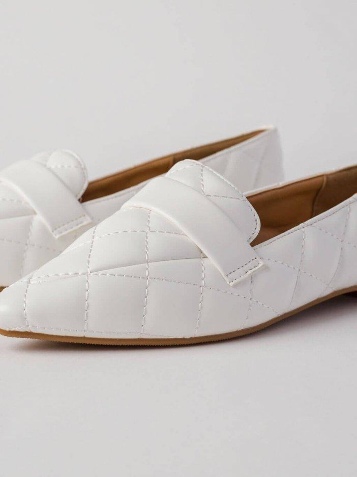Biele mokasíny Flores