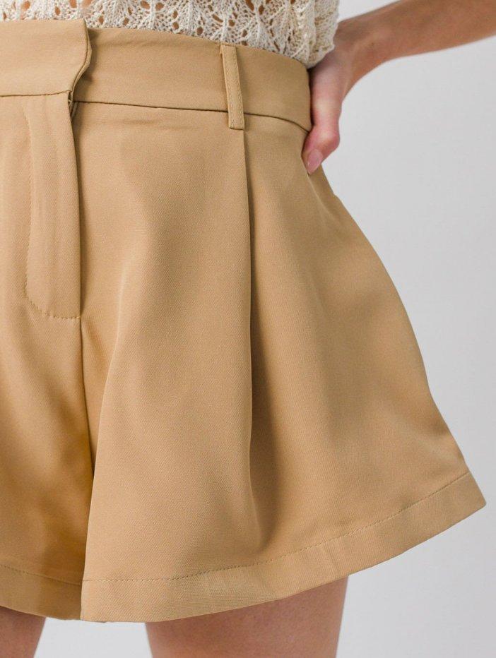 Bledohnedé šortky Xandra
