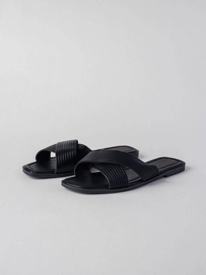 Čierne šľapky Girra