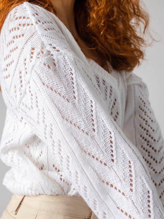 Biely sveter Nessa