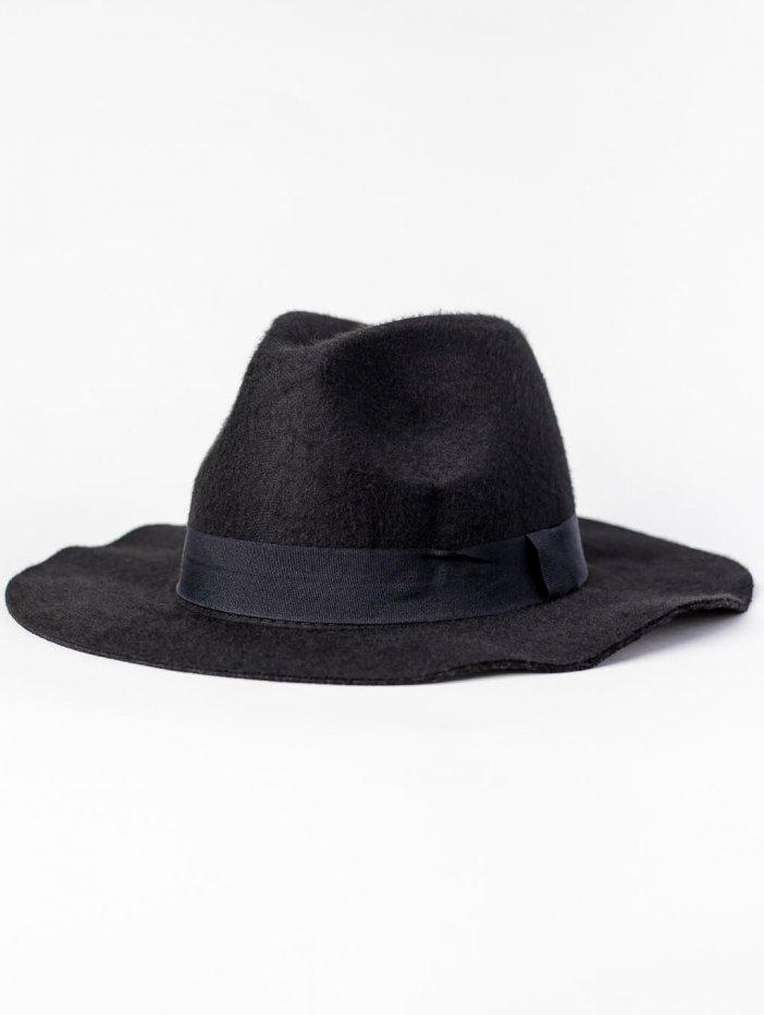 Čierny klobúk Phillip