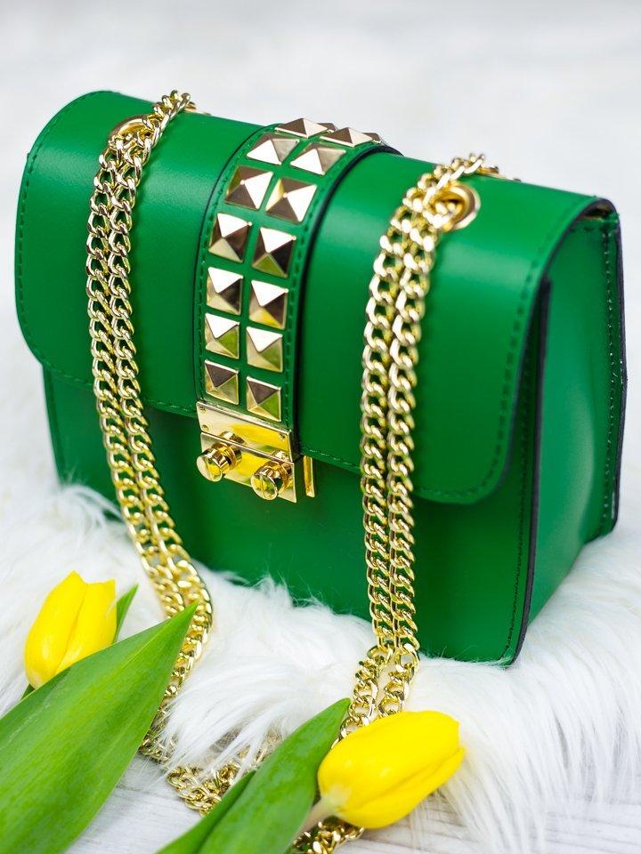 Zelená kožená kabelka so zlatým vybíjaním