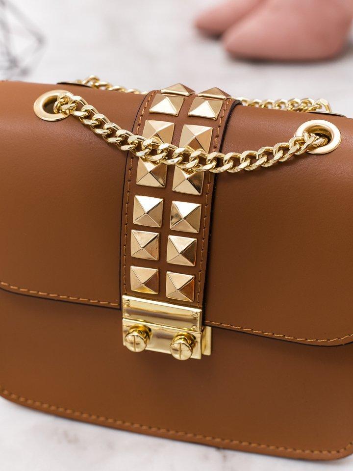 Hnedá kožená kabelka so zlatým vybíjaním