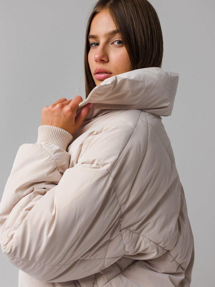 Béžová bunda Loya
