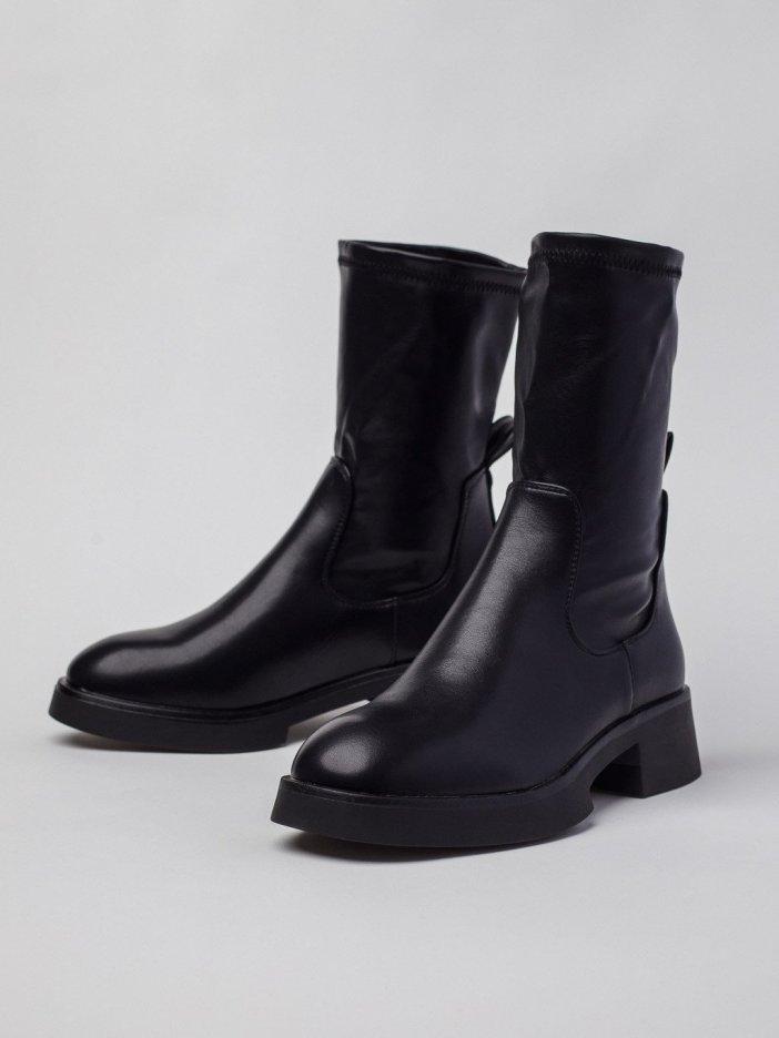 Čierne čižmy Levan