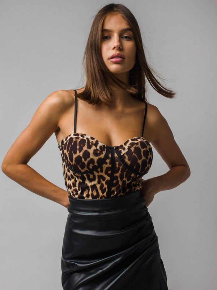 Leopardie body Jessa