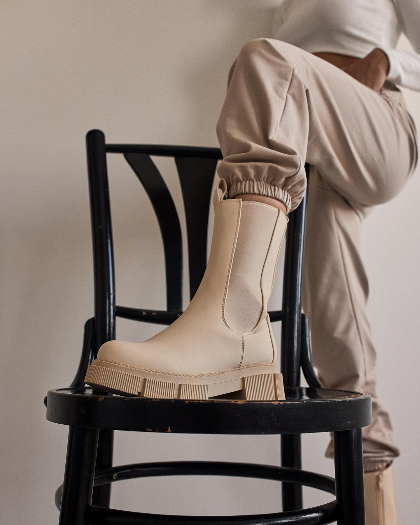 🔥 NOVINKY 🔥 je čas na topánočky, ktoré ťa prevedú chladnejším počasím. 👌🏻