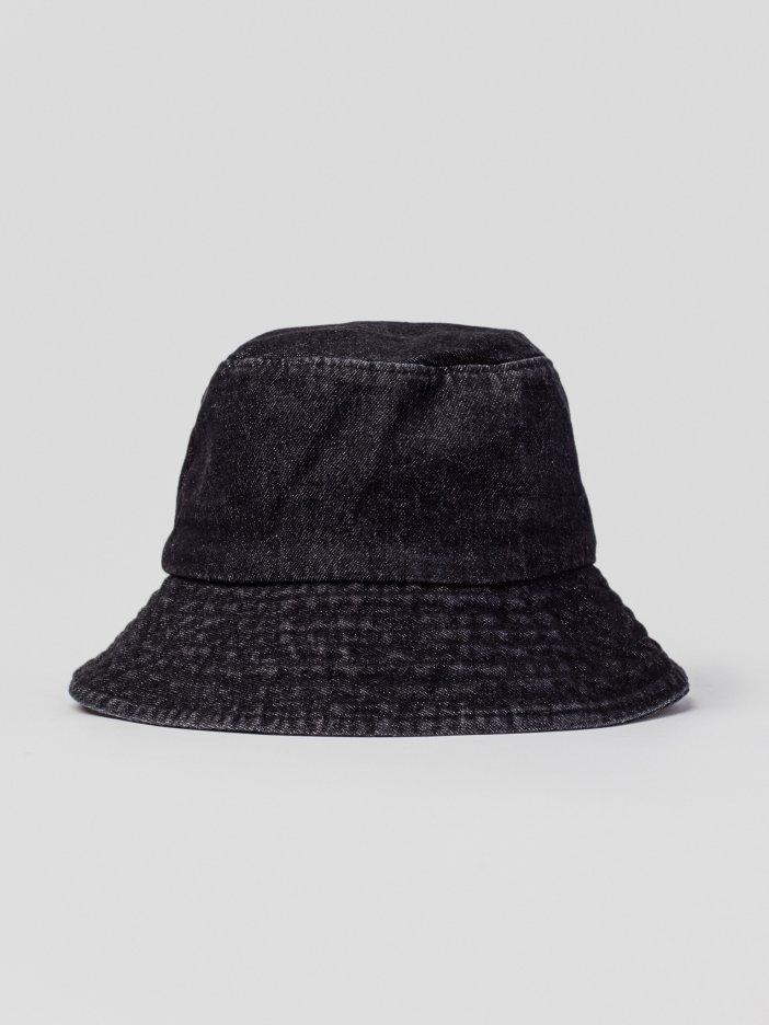 Čierny klobúk Liff