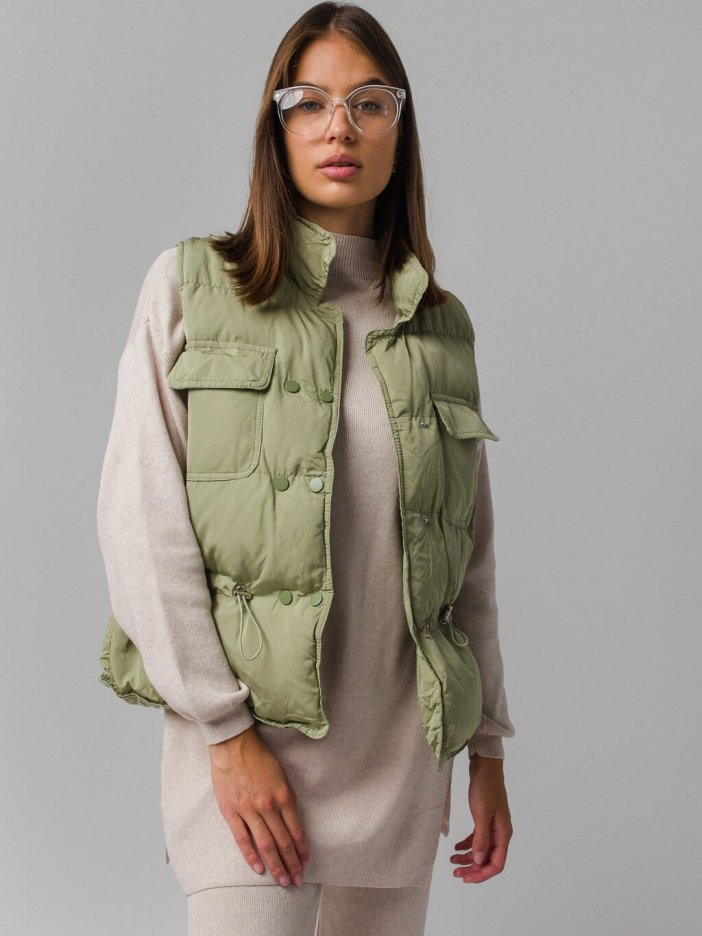 Zelená vesta Ebru