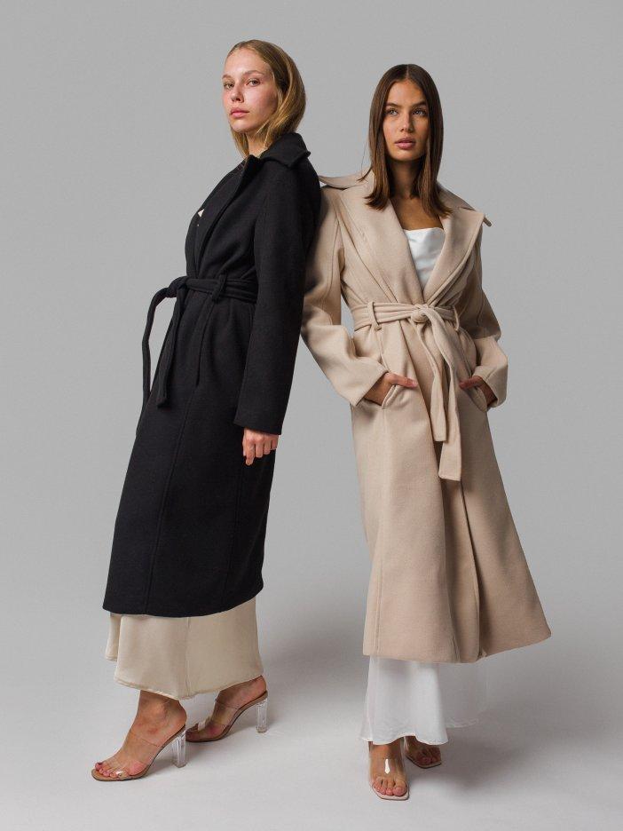 Čierny kabát Joanna